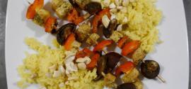 Tofu-Gemüse-Spieße mit Basmatireis und Cashewkernen - Rezept nach TCM