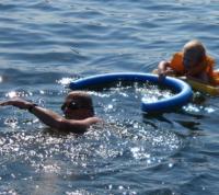 Heiß: schwimmen oder kühlend essen nach den 5 Elementen