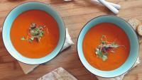 Cremige Süßkartoffel-Erdnussmus-Suppe