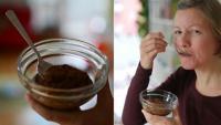 Foto von der fertigen Maronicreme in einem Schüsselchen und von Katharina, als sie die Creme probiert