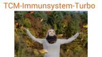 TCM-Immunsystem-Turbo, Foto einer Frau im Herbstwald