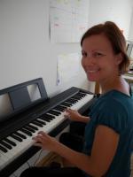 Katharina am Klavier