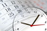 Bild einer Uhr und eines Kalenders
