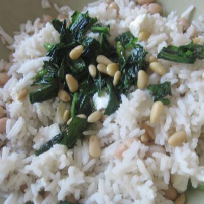 Reis mit Bärlauch und Pinienkernen