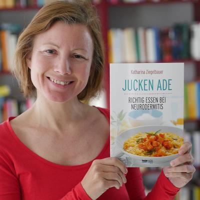 """Katharina und ihr neues Buch """"Jucken adé. Richtig essen bei Neurodermitis"""""""