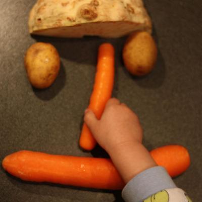 Karotten, Sellerie und Kartoffeln - die Basis einer einfachen Gemüsesuppe