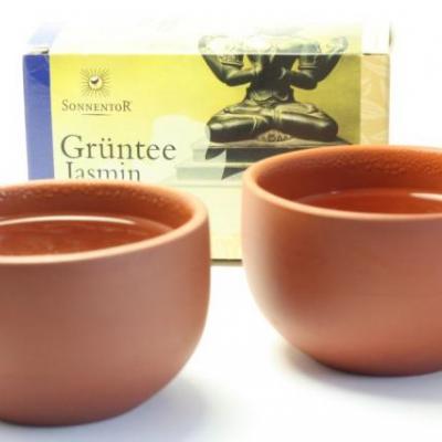Grüner Tee hilft gegen Kopfschmerzen