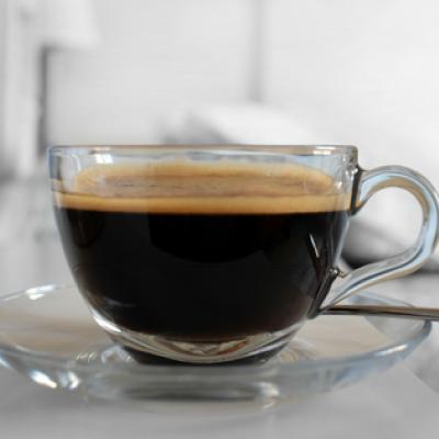 Kaffee wirkt nach TCM kühlend und trocknend