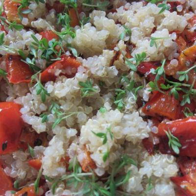 Quinoa mit Paprika und Kresse - stärkt Niere und Kreislauf